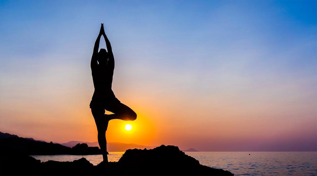 https://florescerdoser.pt/wp-content/uploads/2020/09/yoga-andros-greece.jpg